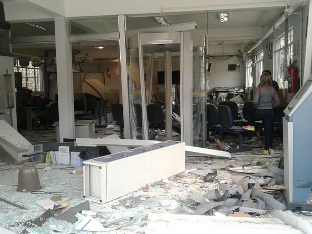 Agência do Banco do Brasil foi explodida em Salto Veloso (Foto: José Canônica/Divulgação)