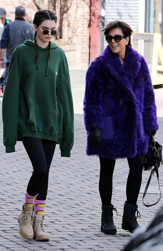 Kendall Jenner e Kris Jenner (Foto: AKM Images)