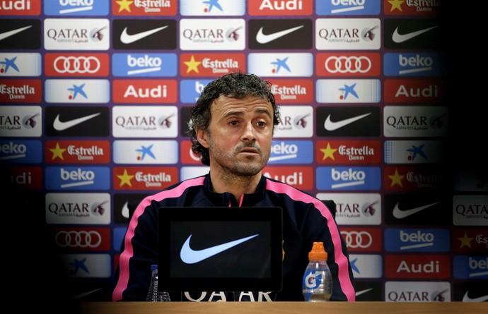 Luis Enrique em entrevista coletiva do Barcelona (Foto: EFE/Alberto Estévez)