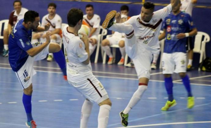São José Futsal perdeu para o Orlândia e precisa da vitória na próxima semana (Foto: Quarttus Marketing)
