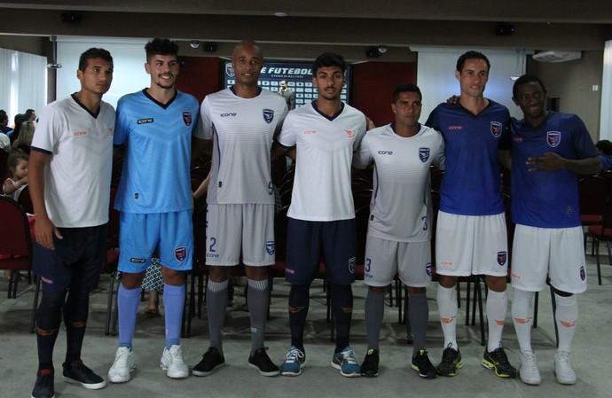 Apresentação do elenco e uniformes do Doze FC (Foto  Gabriel Peres Doze FC 8e014ac4e0045
