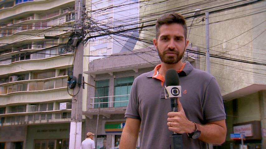 Cesar Fernandes comanda a matéria  (Foto: Divulgação/ TV Gazeta ES)