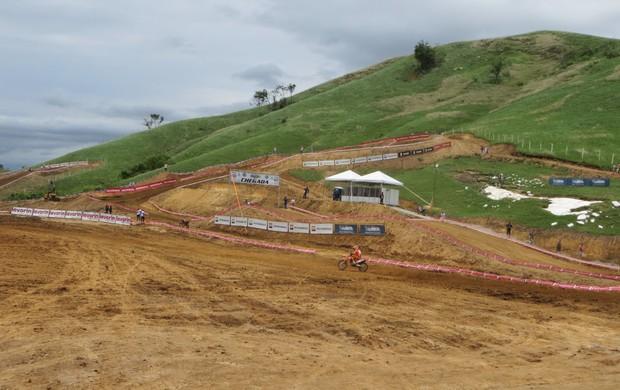 """BLOG: MM Colaboradores - Por dentro dos bastidores – """"Final do Brasileiro de Motocross nas montanhas"""" - artigo de Carol Yada"""