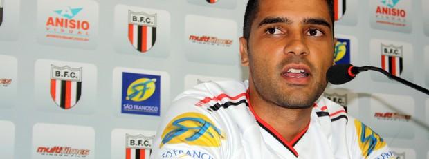Giovanni chega ao Botafogo com o título da Copa Paulista 2012 (Foto: Cleber Akamine / globoesporte.com)