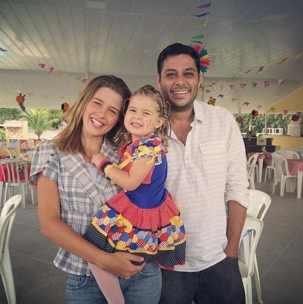 Debby Lagranha com a família (Foto: Reprodução/Instagram)