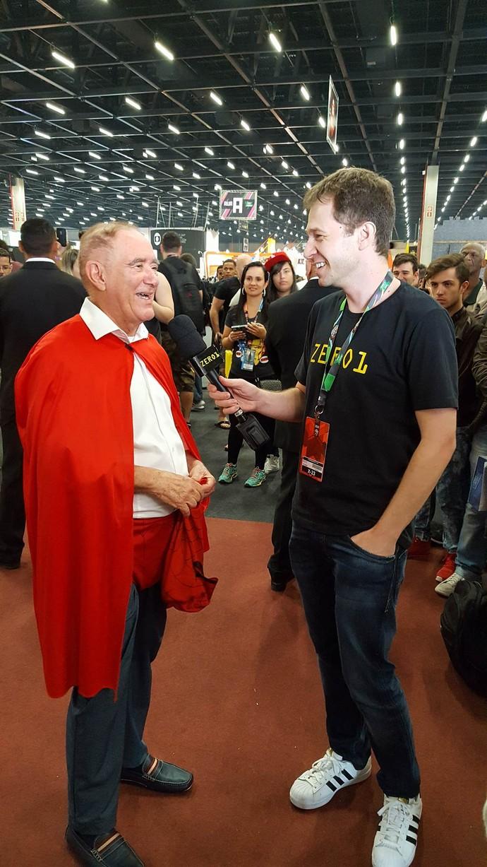 Renato Aragão conversa com Tiago Leifert na CCXP (Foto: Diogo Ferreira/ Gshow)