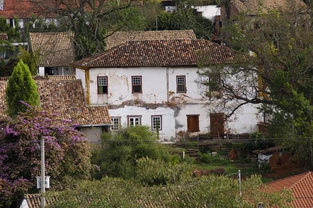 Os casarões e os telhados coloniais são a marcado charme da cidade (Foto: Haroldo Castro/ÉPOCA)