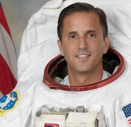 Astronauta Joe Acaba, em imagem divulgada pela Nasa. (Foto: Reprodução/Nasa)