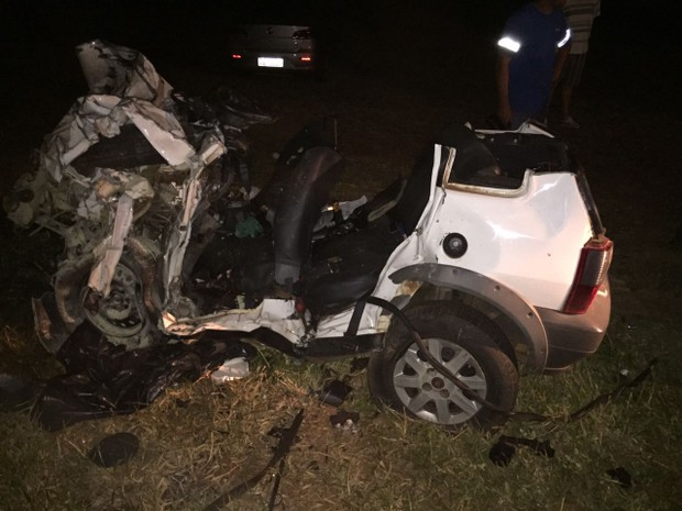 Quatro pessoas que estavam em um carro morreram após acidnete em Alto Piquiri, no noroeste (Foto: Carlos Fernandes dos Anjos/Arquivo pessoal)