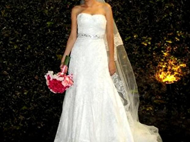 Vestido de noiva vendido no Brechó das Alunas da Unicamp (Foto: Reprodução/Facebook)