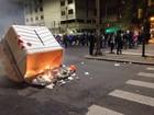 Protestos em Porto Alegre têm quase 300 contêineres danificados