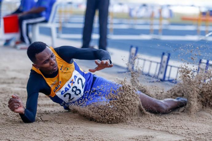 Mauro Vinicius Duda da Silva no Troféu Brasil de Atletismo 2016 salto em distância (Foto: Wagner Carmo CBAt)