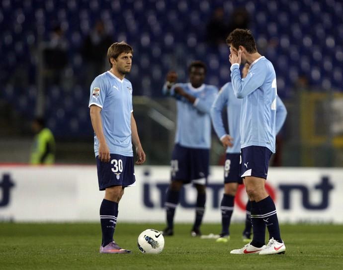 Emiliano Alfaro, em ação pela Lazio (Foto: AP)