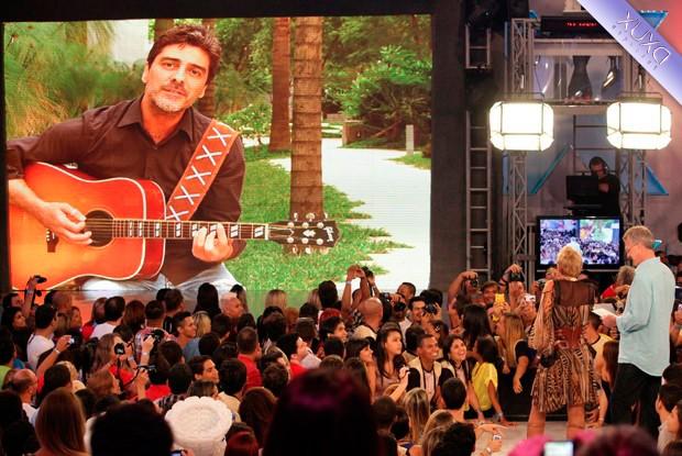 Junno surpreende Xuxa em depoimento fofo (Foto: TV Xuxa/ TV Globo)