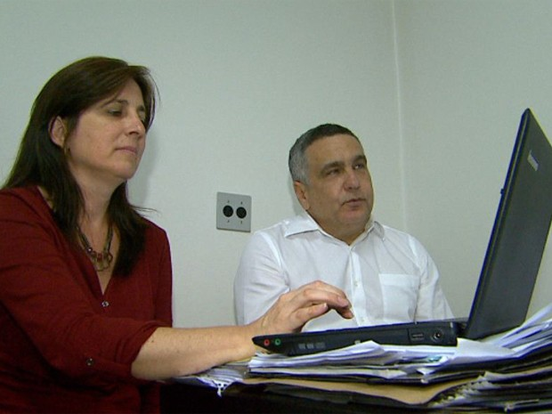 Integrantes da comissão mista fazem auditoria nas contas do Hospital Santa Lydia (Foto: Carlos Trinca/EPTV)