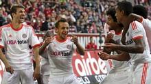 Rafinha comemora goleada e liderança isolada do Bayern (EFE)