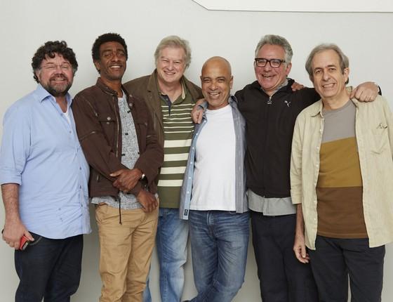 Os Cassetas estão de volta: Marcelo Madureira, Hélio de La Peña, Beto Silva, Claudio Manoel, Hubert e Reinaldo (Foto: Guto Costa)