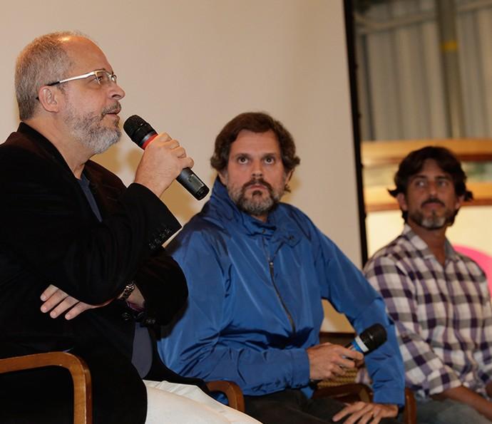 O autor Emanuel Jacobina, o diretor artístico Leonardo Nogueira e o diretor geral Adriano Melo conversam com a imprensa  (Foto: Fábio Rocha/Gshow)