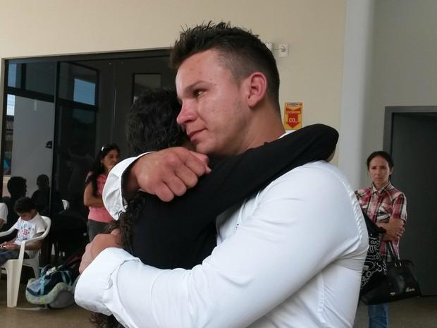Emocionado, Mauricio diz que Marcos morreu em seus braços (Foto: Eliete Marques/ G1)