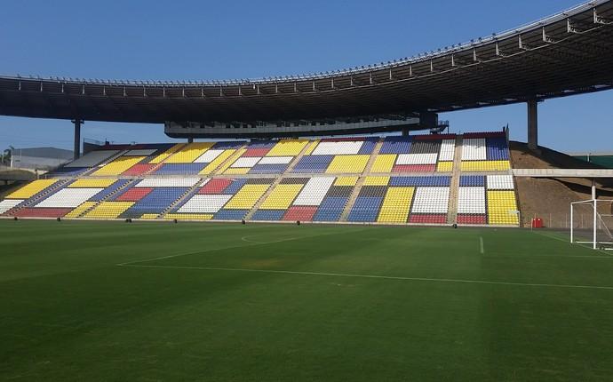 Estádio Estadual Kleber Andrade, em Cariacica (Foto: Sidney Magno Novo/GloboEsporte.com)