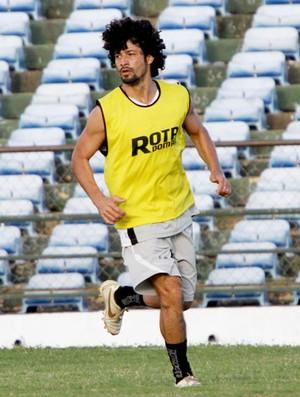 Cristian, meia do Treze (Foto: Leonardo Silva / Jornal da Paraíba)