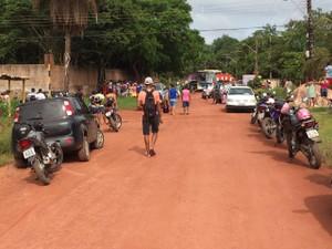 Movimentação da rua Costa e Silva, no Mararu (Foto: Adonias Silva/G1)