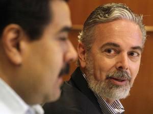 O ministro Antonio Patriota em coletiva de imprensa no Rio de Janeiro neste sábado (2) (Foto: Ricardo Morais / Reuters)