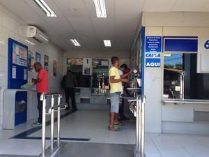 Lotéricas também registraram aumento no movimento (Foto: Natally Acioli/G1)