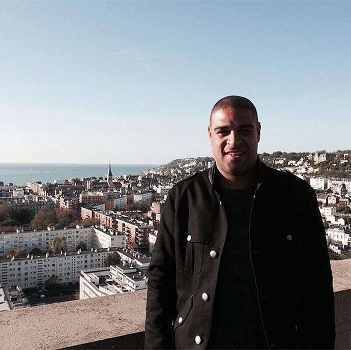 Adriano no Le Havre Hotel (Foto: Reprodução / Twitter)