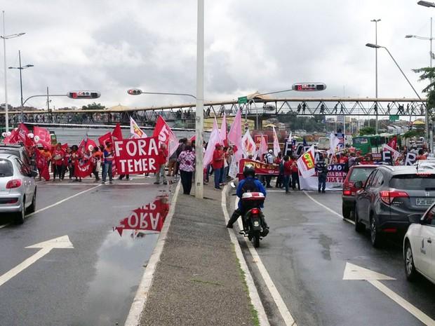 Ato contra Temer e em defesa da democracia é realizado em Salvador (Foto: Rafael Teles/G1)