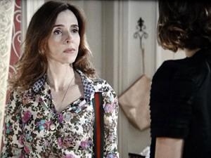 Irene dá uma dura em Amora (Foto: Sangue Bom/TV Globo)