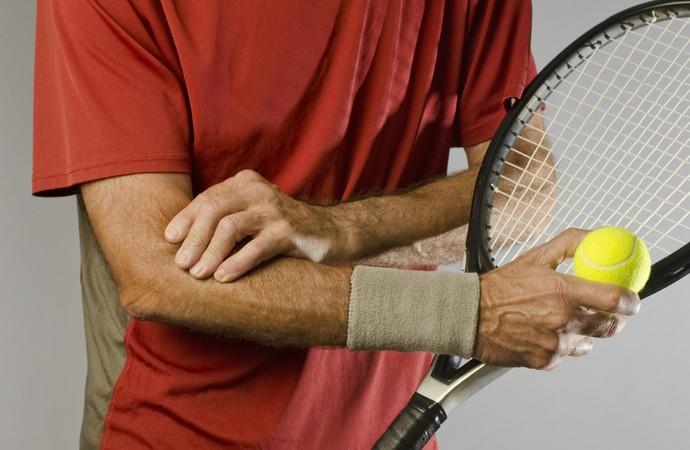 Dor no cotovelo pode ser sintoma da epicondilite  (Foto: iStock Photo)