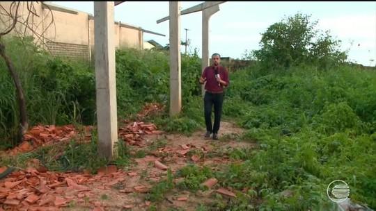 Obra de escola abandonada há 6 anos é alvo de vandalismo em Teresina