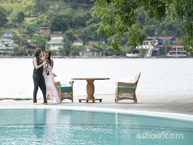 Elas gravam em cenário paradisíaco (Foto: Felipe Monteiro/ TV Globo)