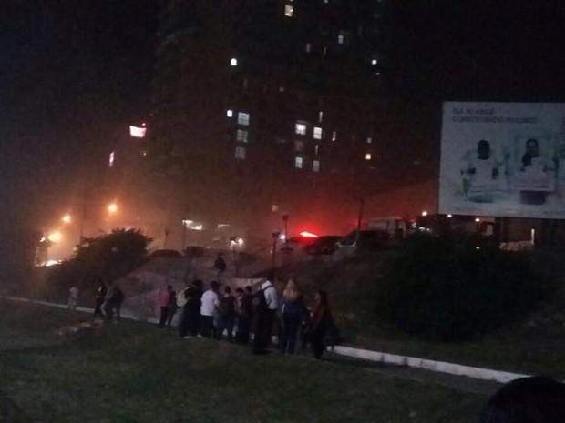 Incêndio foi controlado pelo Corpo de Bombeiros de Macaé (Foto: Arquivo pessoal)