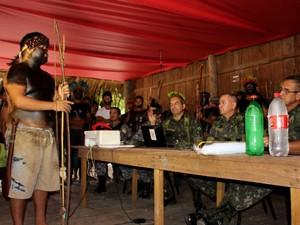 Índios afirmam que pedágio voltará a ser cobrado na Transamazônica (Foto: Larissa Matarésio/G1)