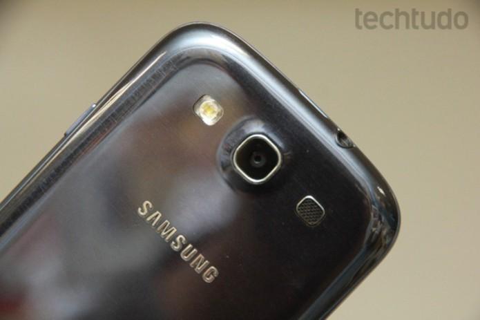 Galaxy S3 oferece gravação de vídeos na lente frontal e HDR na traseira (Foto: Alan Mello/TechTudo)