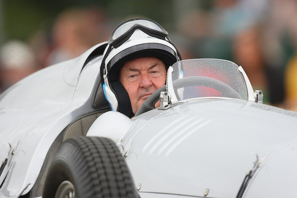Nick Mason, baterista do Pink Floyd, durante uma corrida (Foto: Getty Images)