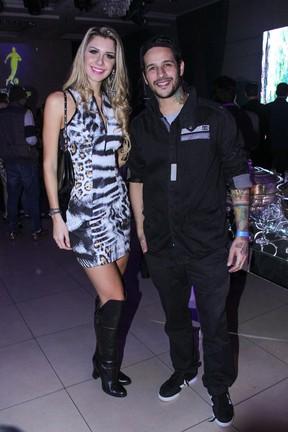 Ex-BBBs Tatiele Polyana e Rafinha em evento em São Paulo (Foto: Thais Aline/ Ag. Fio Condutor)