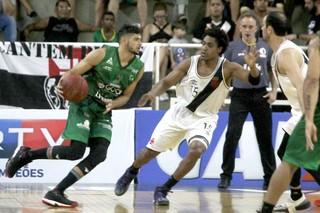 Vasco x Bauru Basket, NBB 9, Léo Meindl, Márcio (Foto: Paulo Fernandes / Vasco.com.br)