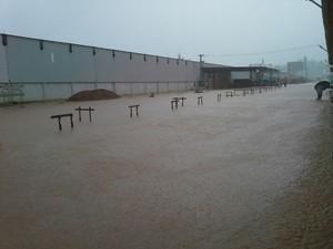 Pelo menos 10 cidades foram atingidas pelas chuvas no estado (Foto: João Pedro Alves/Divulgação )