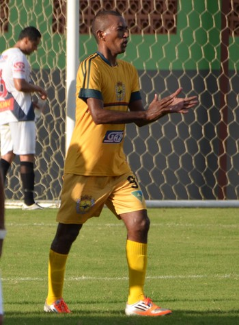 Atacante Juliano César, Galvez (Foto: Duaine Rodrigues)