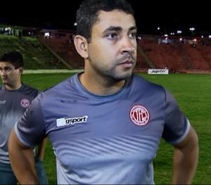 Ludyo Santos, técnico, Tupynambás, Baeta (Foto: Reprodução/TV Integração)