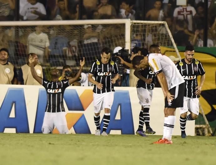 Vasco x Corinthians Vagner Love (Foto: André Durão)