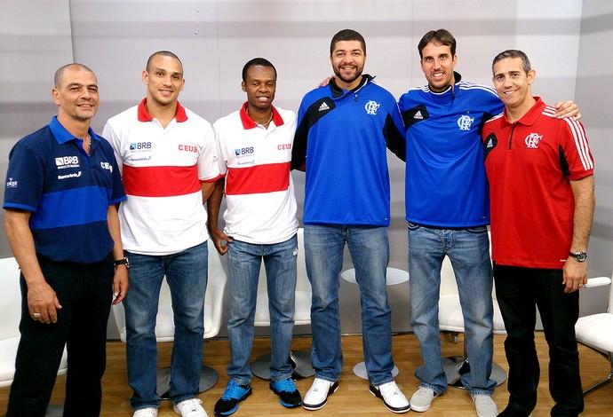 Sergio Hernandez, Alex, Nezinho, Olivinha, Marcelinho e José Neto Flamengo x Brasília NBB (Foto: Fábio Leme)