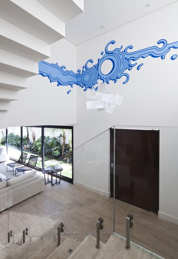 Casa de 416 m² é projetada para receber o pôr do sol (Foto: Divulgação)