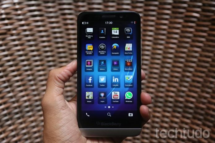 O BB 10 agora permite que usuários do sistema baixem mais apps para Android (Foto: Lucas Mendes/TechTudo)