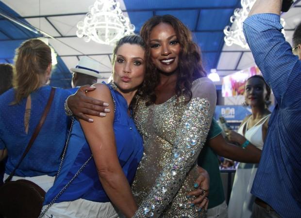 Flávia Alessandra e Cris Vianna (Foto: Claudio Andrade/Photo Rio News)