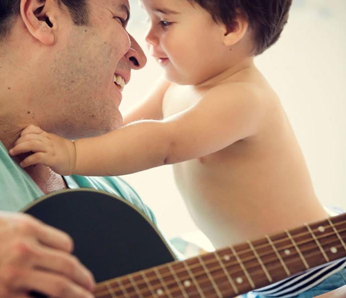 Jurado do SuperStar com o único filho menino (Foto: Divulgação)