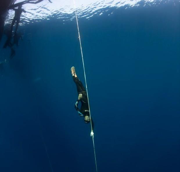 William Trubridge em mergulho livre (Foto: Divulgação)